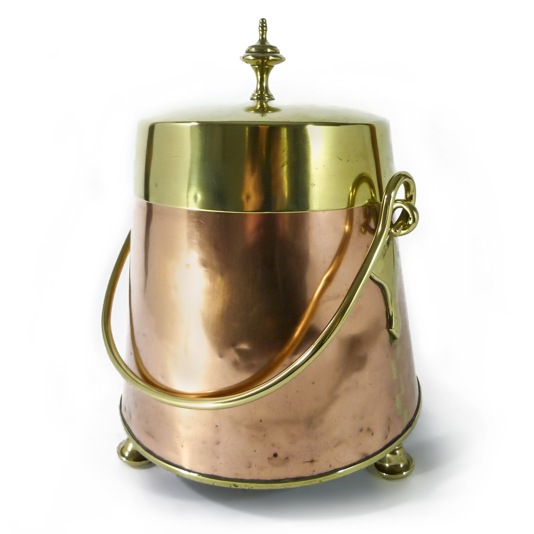 Dutch Copper and Brass Doof Pot. Circa 1780